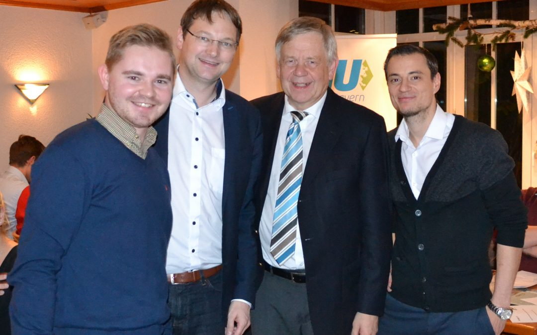 MdL Karl Freller begrüßte den Landesvorstand der Jungen Union mit ihrem Vorsitzenden Hans Reichhart (2.v.l.) in der Goldschlägerstadt