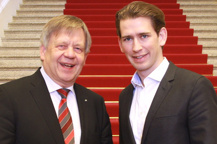 Karl Freller gratuliert Österreichs Bundeskanzler in spe