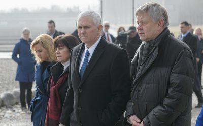 Eigene PM: US-Vizepräsident Mike Pence besucht KZ-Gedenkstätte Dachau