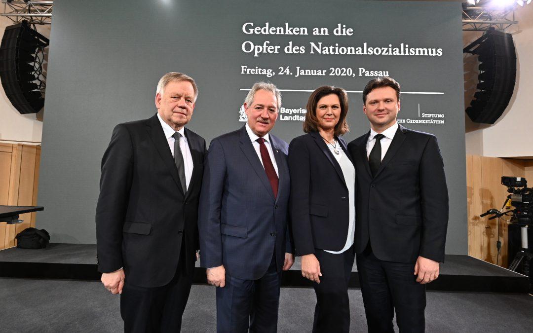 Eine trinationale Premiere zum 75. Gedenktag der Opfer des Nationalsozialismus