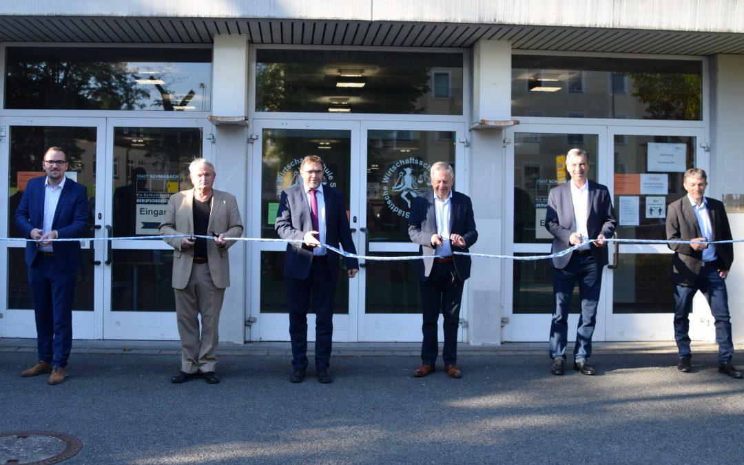 Ein langer Weg für kürzere Wege – Neue Fachoberschule in Schwabach eröffnet