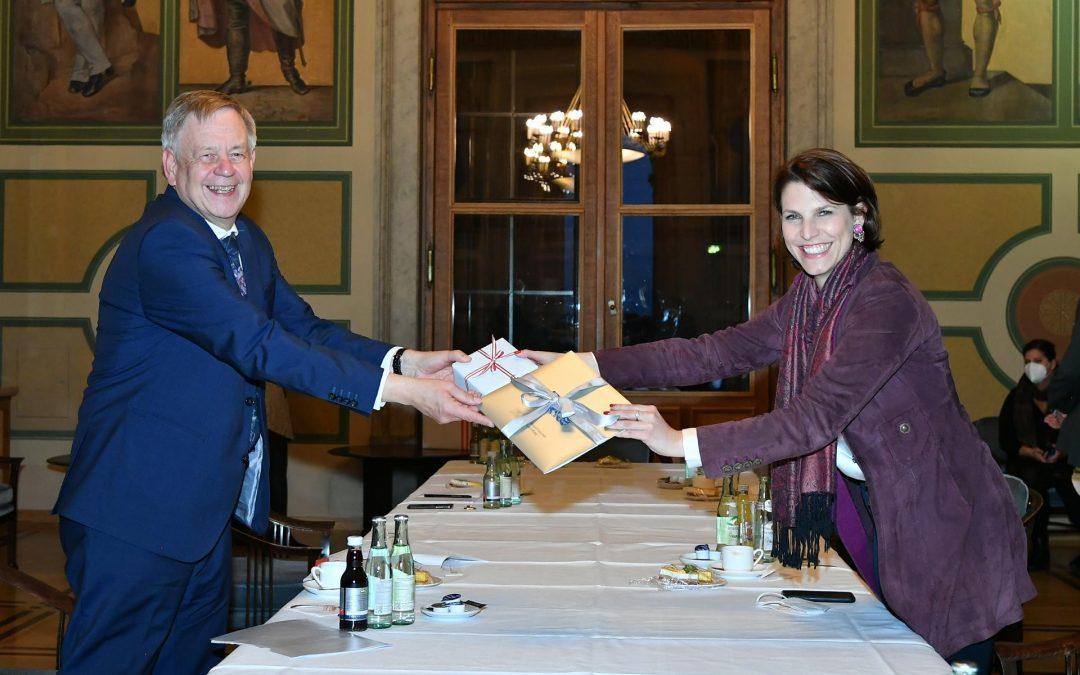 Österreichische Bundesministerin Karoline Edtstadler zu Gast bei Landtagsvizepräsident Freller