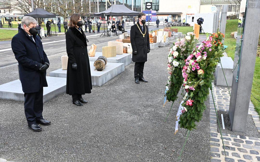 Gedenkakt in Würzburg für die NS-Opfer – Freller legt Kranz nieder